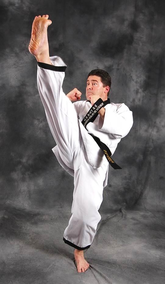 Alain-Burrese-Hapkido-kicking-001